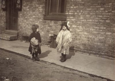 Hull House, Chicago (1912) by Lewis Hine