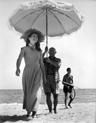 Picasso with Françoise Gilot, France (1948) by Cornell Capa
