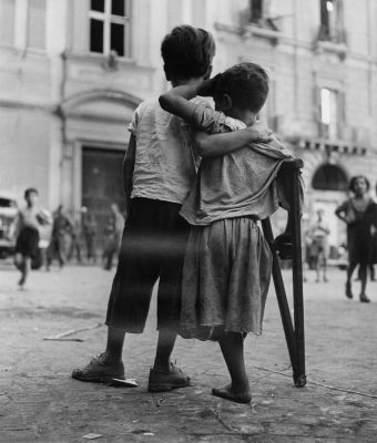 Naples (child with one leg) (1944) by Wayne Miller