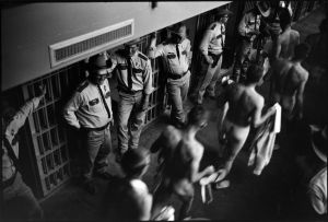 Building shakedown (1967-1968) by Danny Lyon