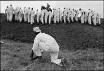 Hoe sharpener and the line (1967-1968) by Danny Lyon