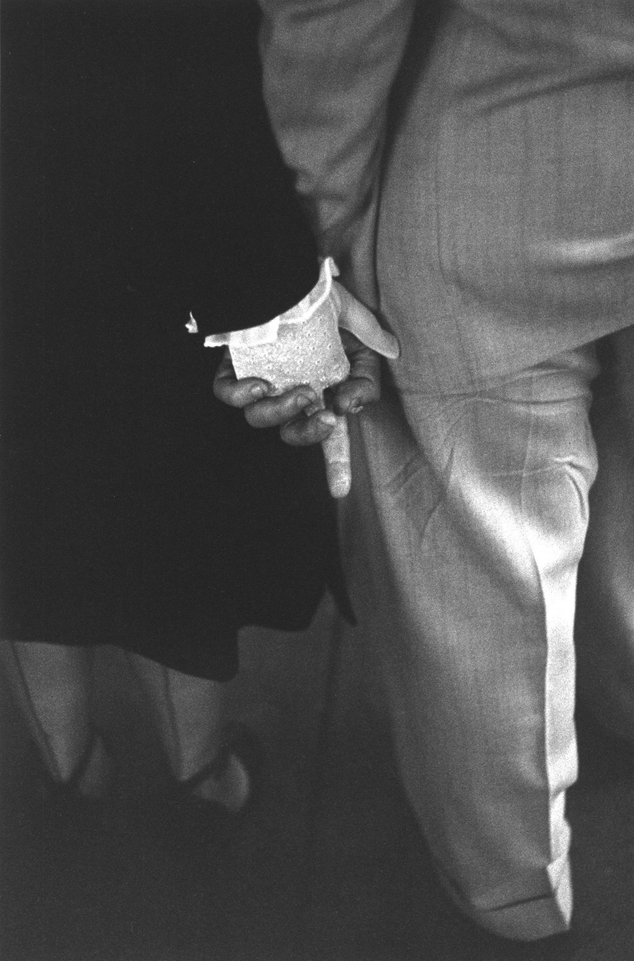 Freudian Handclasp, New York City (1948) by Louis Faurer