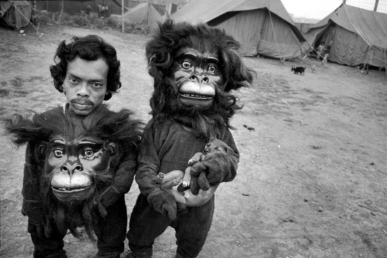 Twin Brothers Tulsi and Basant, Great Famous Circus, Calcutta, India (1989) by Mary Ellen Mark