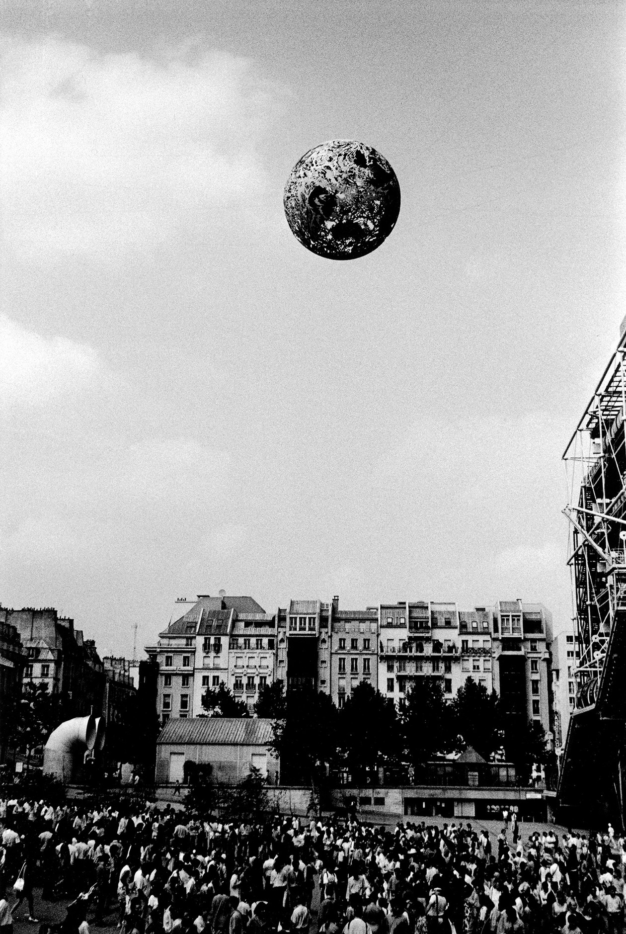 "Paris from ""A Tale of Two Cities - The End"" (1989) by Daido Moriyama"