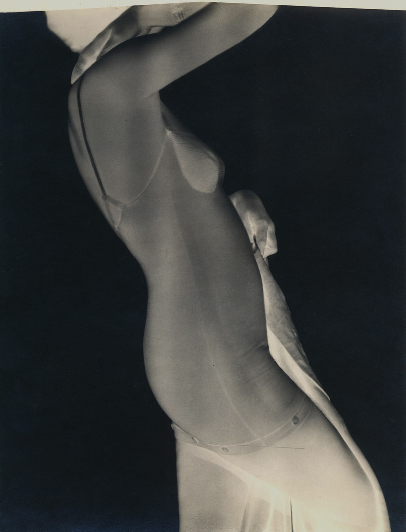 Occulta Corset, January 22, 1931 (1931) by George Hoyningen-Huene