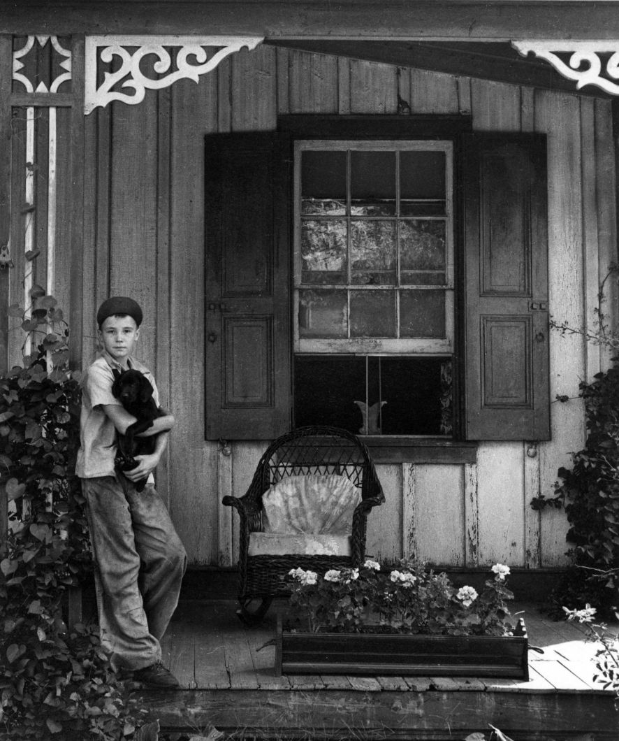 Boy and his dog (1947) by Arnold Newman