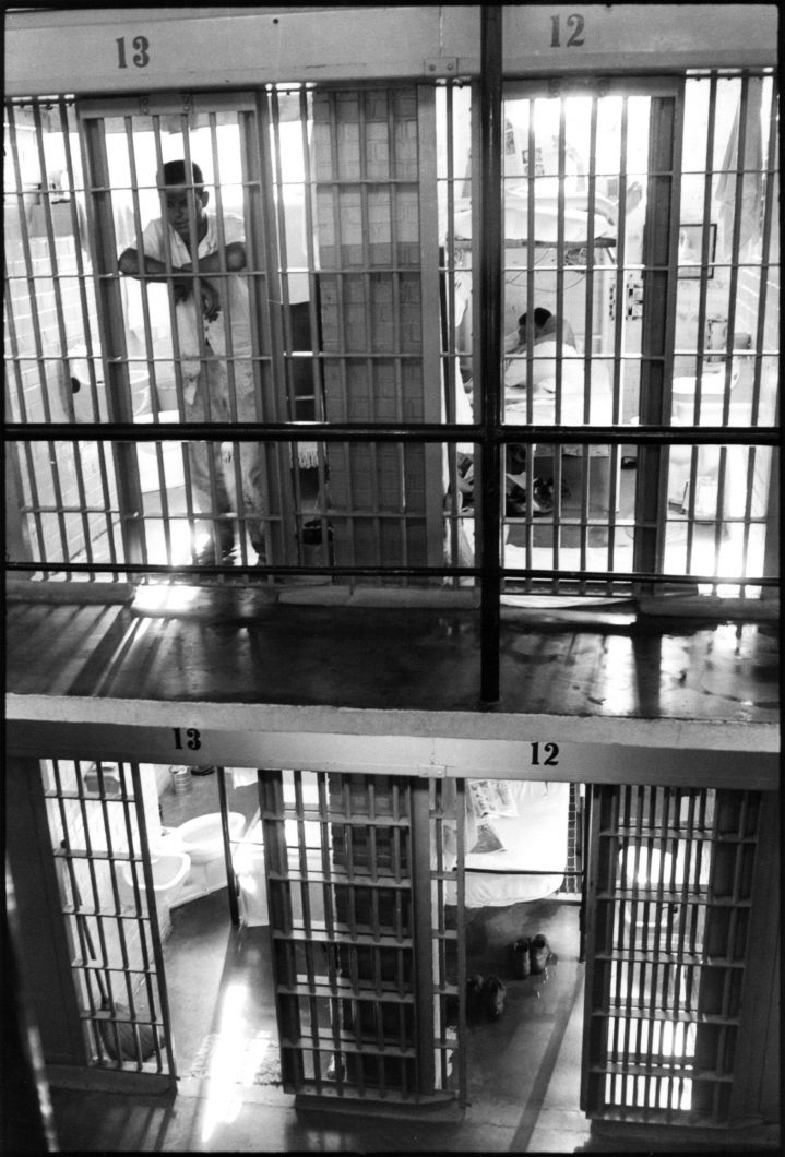 Cell block (1967-1968) by Danny Lyon