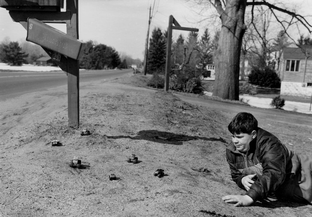 Near Suffield, CT (1987) by Mark Steinmetz