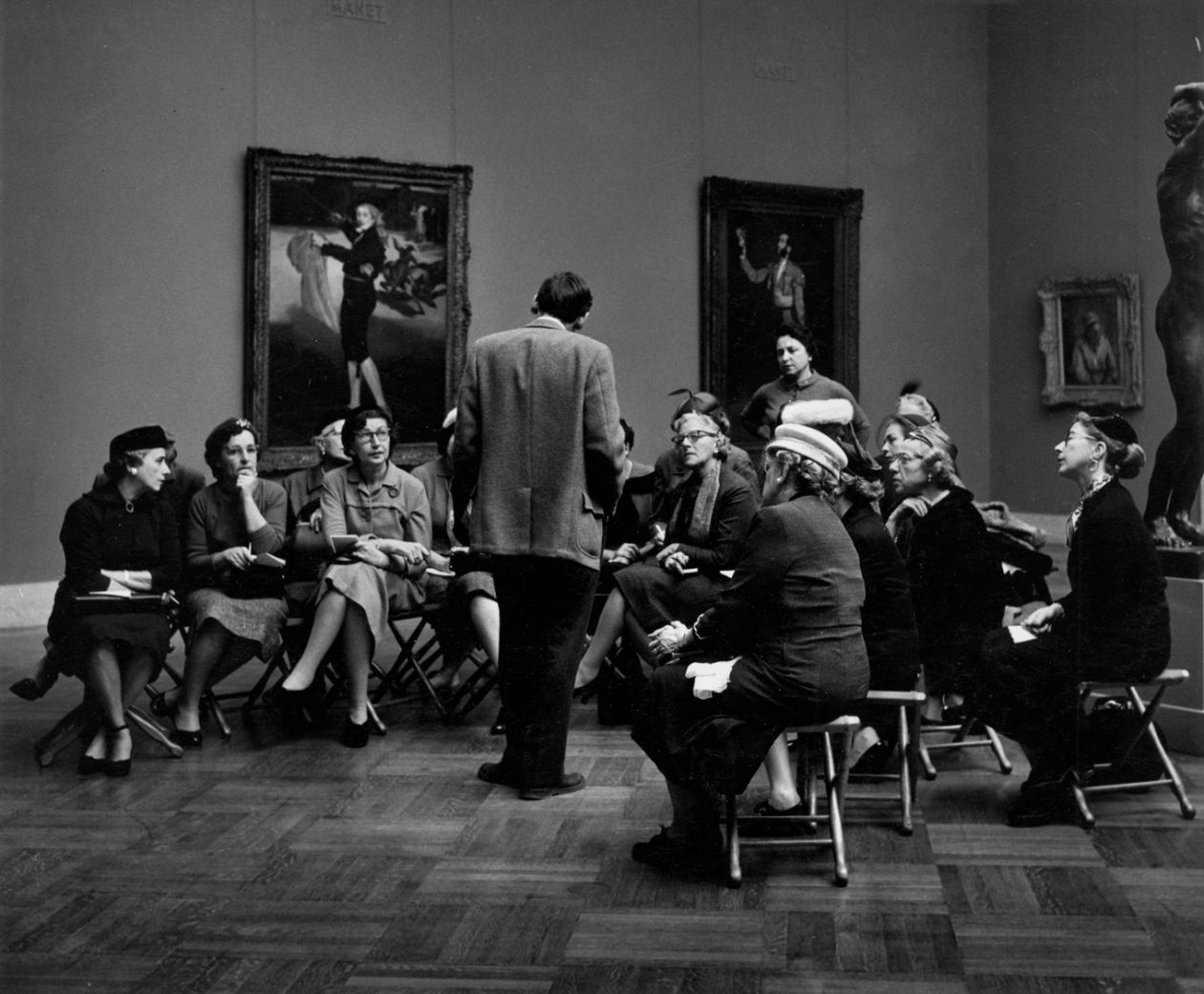 Metropolitan Museum of Art, NYC (1958) by Dave Heath