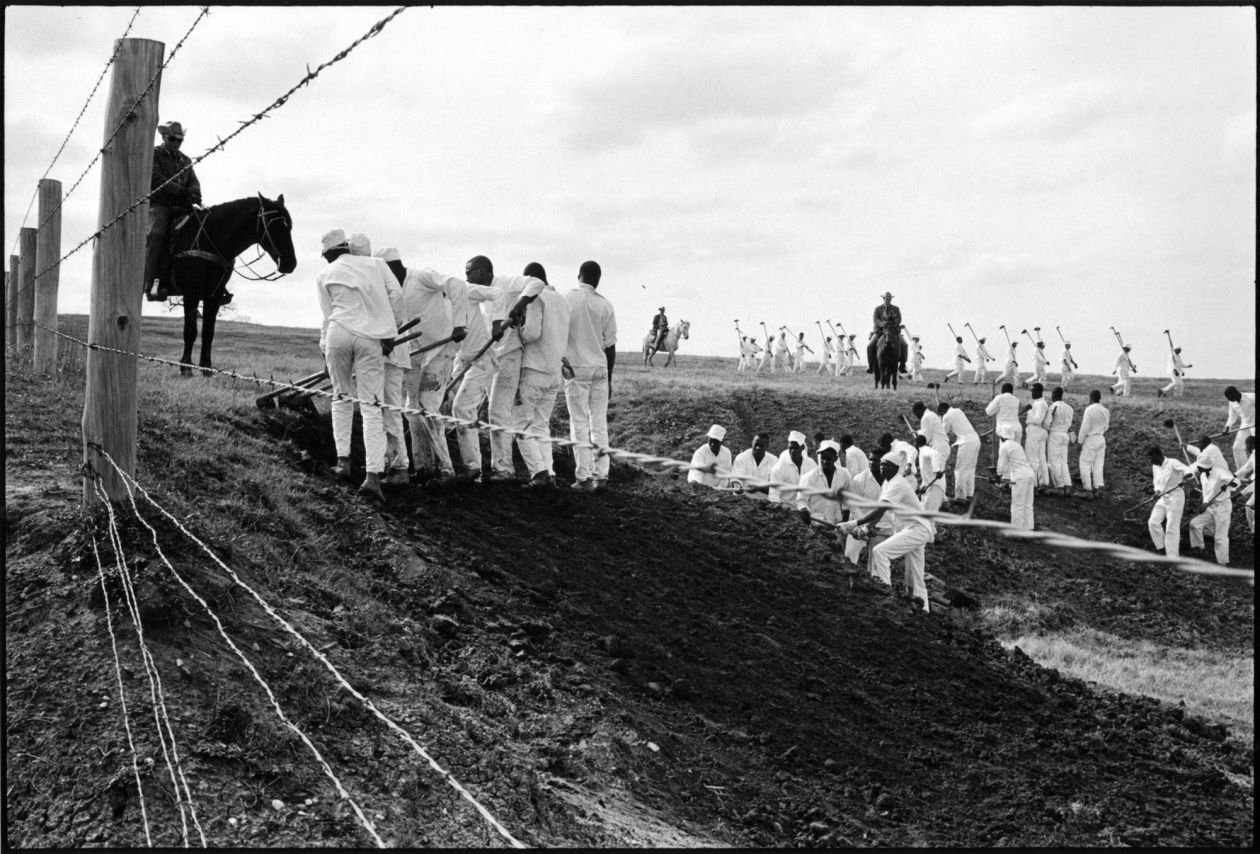 The line (1967-1968) by Danny Lyon